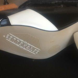 Seychelles Shoes - Brand new Seychelles peep toe pumps 9